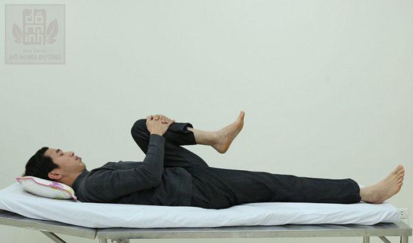 Hướng dẫn bài tập chữa thoát vị đĩa đệm cột sống lưng