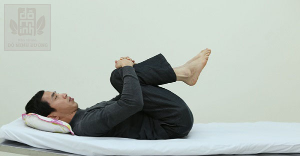 Cách thực hiện bài tập chữa thoát vị đĩa đệm cột sống lưng
