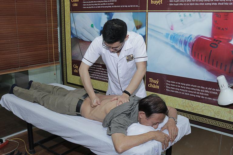 Châm cứu bấm huyệt hỗ trợ tối đa cho quá trình điều trị bằng thuốc